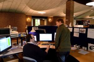 Samarbejde i kontormiljøet på PJD - Automation og Industriel IT