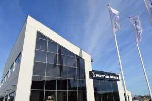 Nordfyns Finans flotte facade ud mod Indre Ringvej