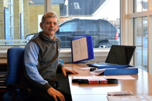 John Erik Svoldgaard på kontoret ved Autohuset Obelitz