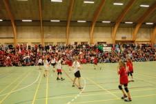 Der er masser tilskuere på tribunerne til FrøCup. Foto: AB Håndbold