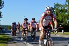 Årup Motions Cykleklub fanget på en træningsaften. ÅMC har desværre ingen deltagere i etapeløbet i år. Foto: MJ