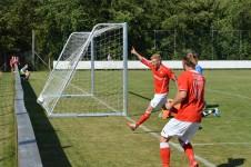 Anders Madsen har lige scoret sit andet mål efter flot forarbejde fra Simon West. Foto:MJ