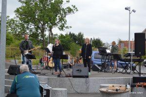Nordfyns Efterskoles orkester på  sidste års Bymarked. Foto:MJ