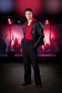 """Cristopher Schøllhammer Rørmose som Tony i """"Saturday Night Fever"""""""